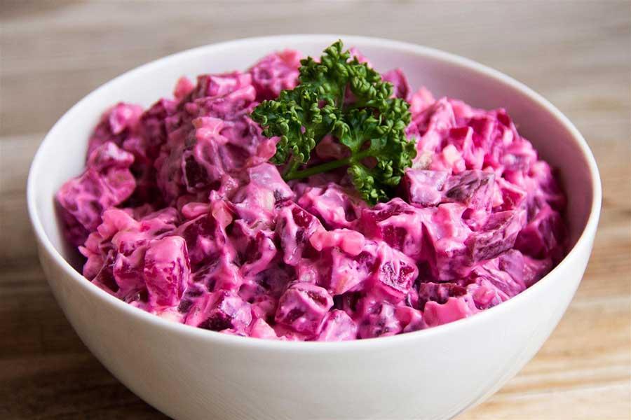 салат с соленым салом